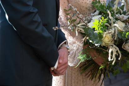détail sur le bouquet de mariée